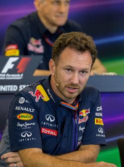 Christian Horner, Red Bull Racing Director del Equipo en la conferencia de prensa de la FIA
