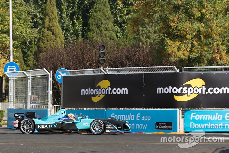 Олівер Турве, NEXTEV TCR Formula E Team з Motorsport.com signage