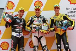 Segundo, Johann Zarco, Ajo Motorsport, el poleman Thomas Lüthi, Interwetten Racing Derendinger y el tercero, Alex Rins, páginas Amarillas HP 40