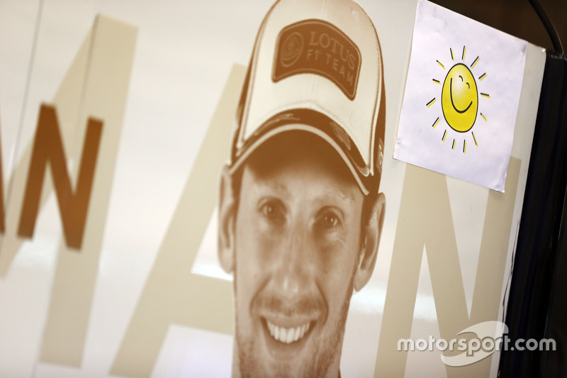 Romain Grosjean, Lotus F1 Team and a picture of the sunshine