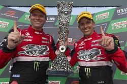 Los ganadores de la Pirtek Endure Cup, Garth Tander y Warren Luff, Holden Racing Team