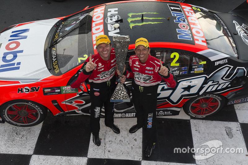 Pirtek Endure Cup переможці Гарт Тандер та Уоррен Лафф, Holden Racing Team