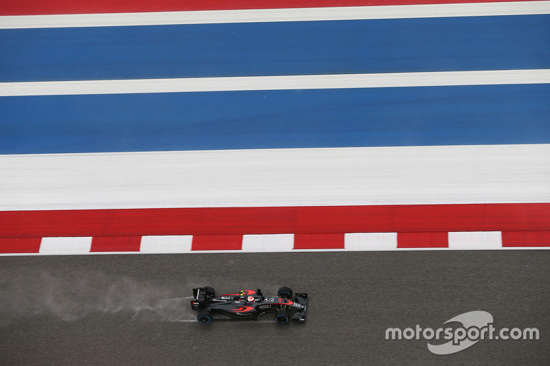 Jenson Button, McLaren MP4-30 in the qualifying session