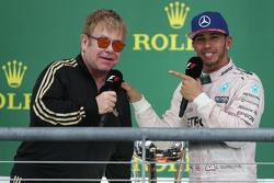 Победитель гонки и чемпион мира - Льюис Хэмилтон, Mercedes AMG F1 и Элтон Джон