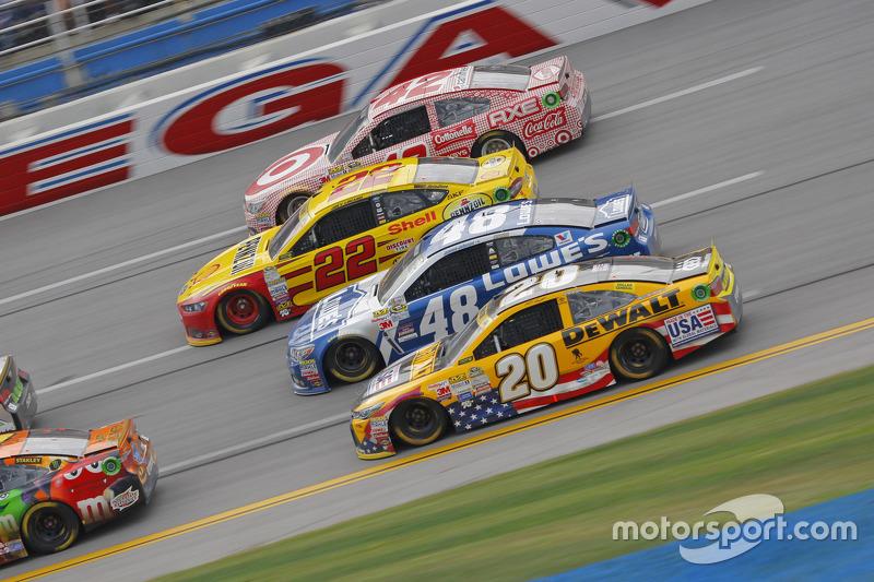 NASCAR - Matt Kenseth, Joe Gibbs Racing Toyota, Jimmie Johnson, Hendrick Motorsports Chevrolet, Joey Logano, Team Penske Ford et Kyle Larson, Chip Ganassi Racing Chevrolet