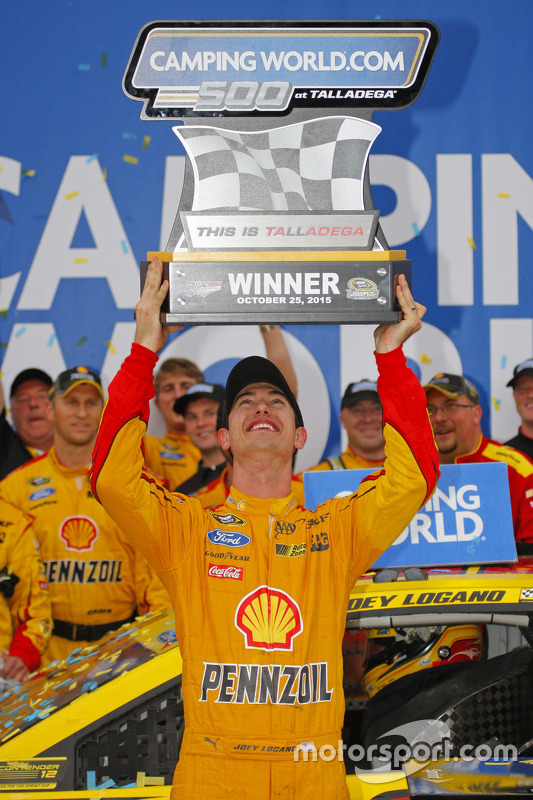 Winnaar Joey Logano, Team Penske Ford