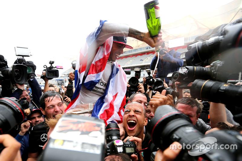#2: Lewis Hamilton feiert den Titelgewinn
