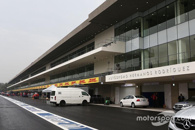 Los pits del Autódromo Hermanos Rodríguez