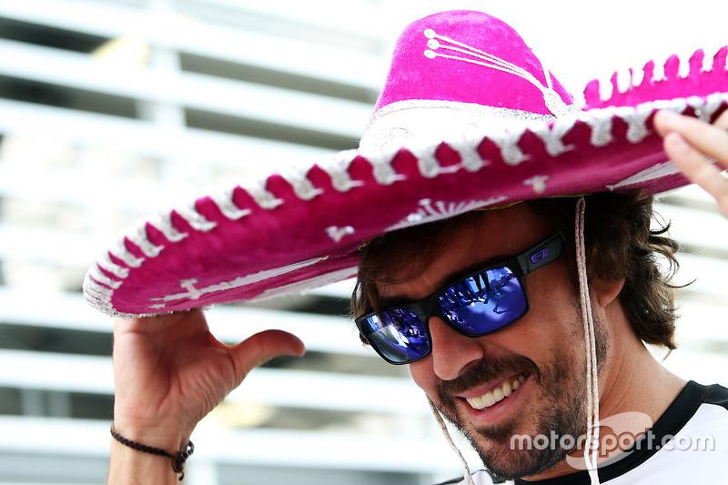 فرناندو ألونسو، مكلارين يرتدي قبّعة