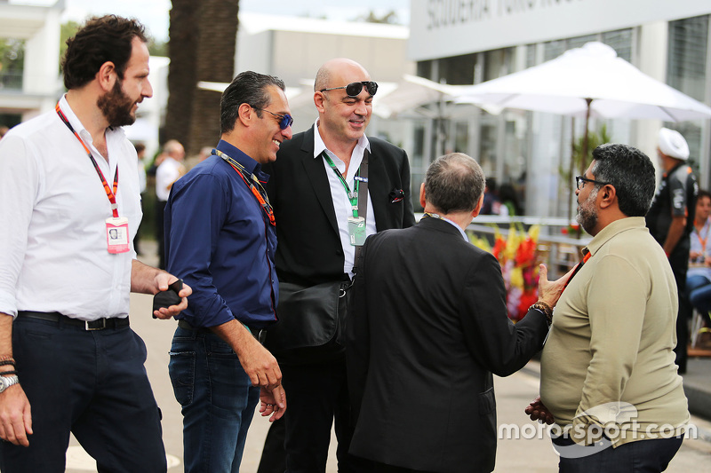 Маттео Бончіані, делегат FIA з питань медіа та Carlos Slim Domit, Chairman of America Movil з Жан Тодт, Президент FIA