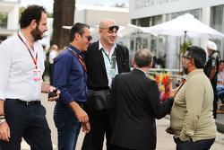 Matteo Bonciani, FIA persverantwoordelijke en Carlos Slim Domit, voorzitter America Movil met Jean Todt, FIA President