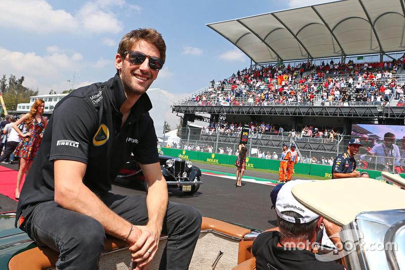 Romain Grosjean, Lotus F1 Team on the drivers parade.