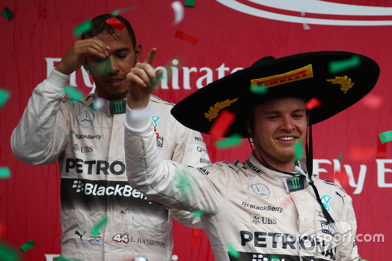 Podium: Race winner Nico Rosberg, Mercedes AMG F1 W07
