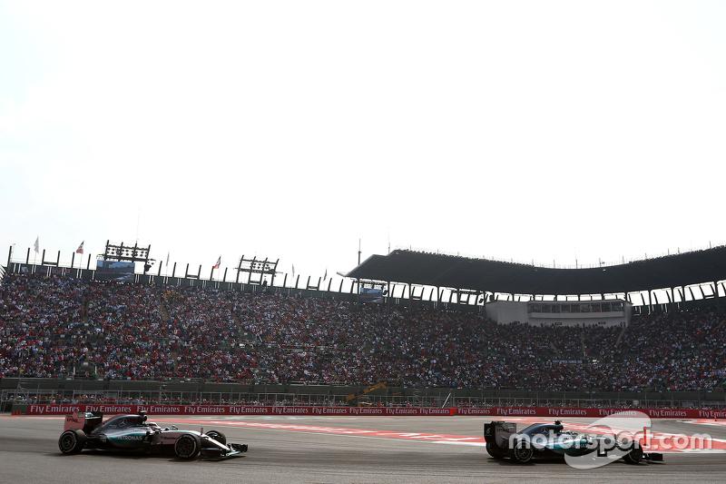 Nico Rosberg, Mercedes AMG F1 Team e Lewis Hamilton, Mercedes AMG F1 Team