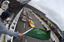 Start: Joey Logano, Team Penske Ford aan kop