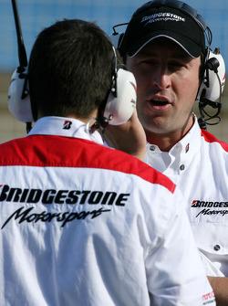 Bridgestone mühendiss talk, pit wall