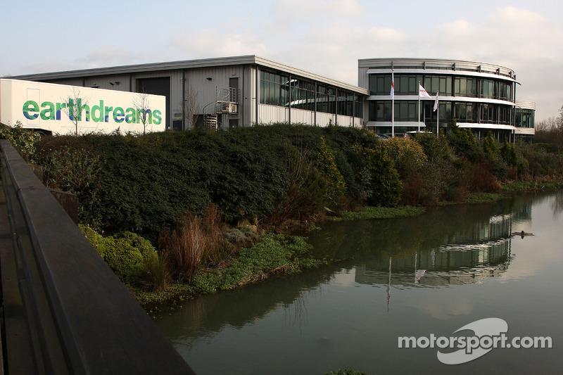 Honda Racing F1 Team factory and trucks