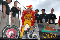 Kevin Harvick meets with student team members from California Polytechnic State University at San Luis Obispo