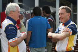 Pat Symonds, Renault F1 Team, Executive Director of Engineering and Bob Bell, Renault F1 Team, Chassis Technical Director