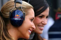 red Bull girls, Formula Unas