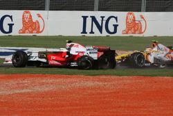 Start, Giancarlo Fisichella, Force India F1 Team, VJM-01, crash