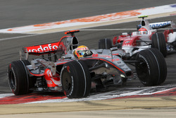 Lewis Hamilton, McLaren Mercedes, MP4-23, front wing damage