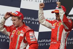 Podium: Sieger Felipe Massa mit Kimi Räikkönen