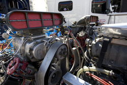 Detail of multi engine tractor