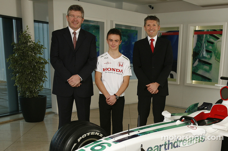 Nicky Fry, Ross Brawn and 16 year old British karting star Will Stevens, Honda Racing F1 Team driver