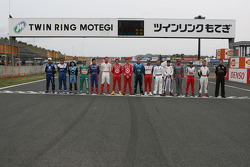 Indy Japan 300 competitors pose