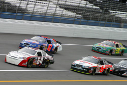 David Stremme leads a group of cars