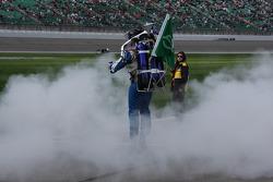 Rocket Man delivers the green flag