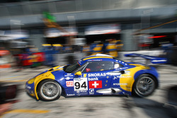 Pit stop for #94 Speedy Racing Team Spyker C8 Laviolette GT2R: Benjamin Leuenberger, Andrea Chiesa