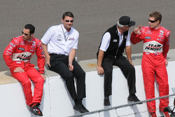 Helio Castroneves, Tim Cendric, Rick Mears, and Ryan Briscoe having a discussion