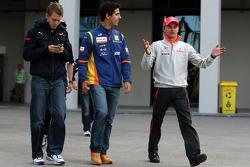 Heikki Kovalainen, McLaren Mercedes, Lucas Di Grassi Test Driver, Renault F1 Team, Sebastian Vettel, Scuderia Toro Rosso