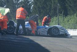 #37 WR / Salini WR - Zytek: Patrice Roussel, Philippe Salini, Stéphane Salini marshalls check driver after impact at Eau Rouge