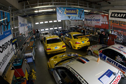 A crowdy garage area