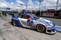 Last pitstop for #23 Manthey Racing Porsche 911 GT3-MR: Armin Hahne, Christian Haarmann, Jochen Krumbach, Pierre Kaffer