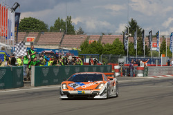 #90 Raeder Motorsport Lamborghini Gallardo: Hermann Tilke, Dirk Adorf, Patrick Simon takes the checkered flag