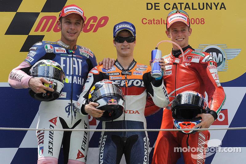 Podio: 1º Dani Pedrosa, 2º Valentino Rossi, 3º Casey Stoner