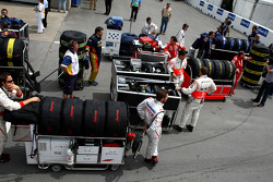 Teams prepare to go on to the grid