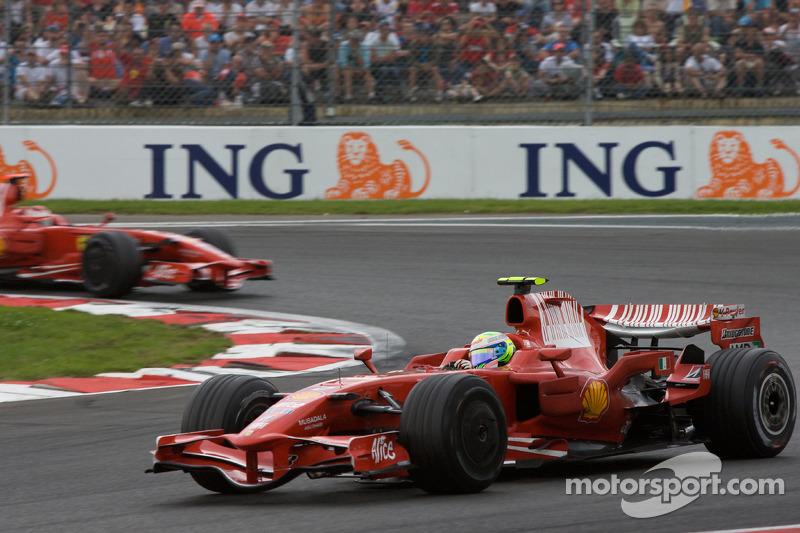 Felipe Massa, Scuderia Ferrari leads Kimi Raikkonen, Scuderia Ferrari