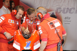 Ducati crew works