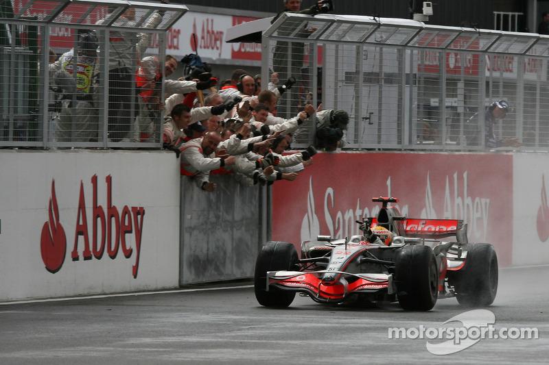 2008: Lewis Hamilton, McLaren Mercedes MP4-23