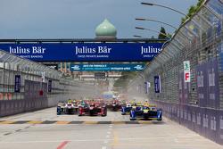 Inicio: Sébastien Buemi, Renault e.Dams lidera