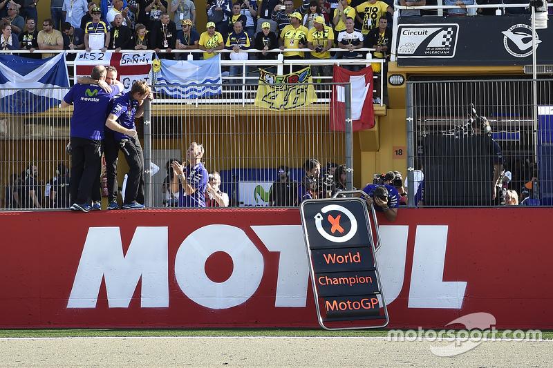 Переможець та 2015 World Champion Хорхе Лоренцо, Yamaha Factory Racing