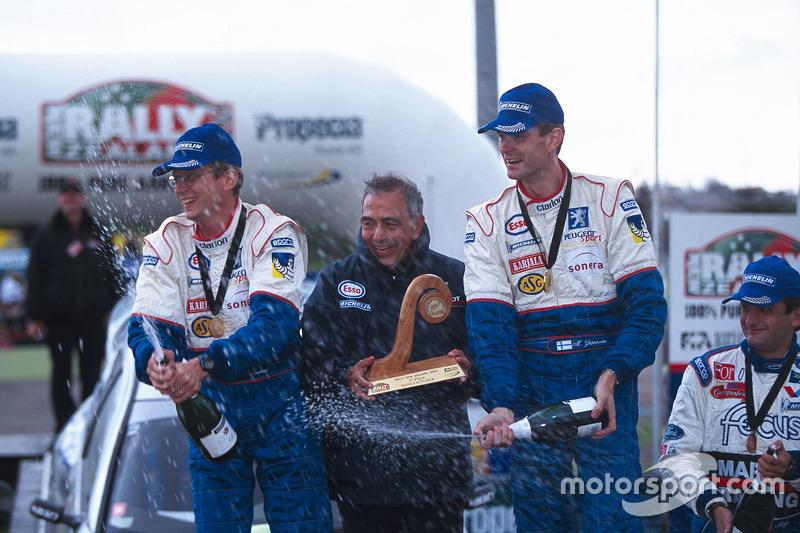 I vincitori Marcus Gronholm w Timo Rautiainen, Peugeot Sport Peugeot 206 WRC