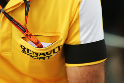 Cyril Abiteboul, Renault Sport F1 Managing Director wears a black armband as a mark of respect for the victims of the Paris terrorist attacks