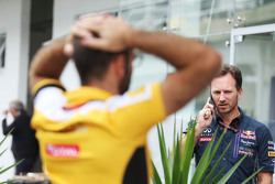 Кристиан Хорнер, руководитель Red Bull Racing Team и Сириль Абитбуль, управляющий директор Renault S