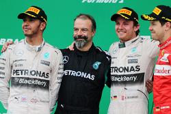 Podio: ganador de la carrera Nico Rosberg, Mercedes AMG F1 W06, con segundo lugar de Lewis Hamilton,